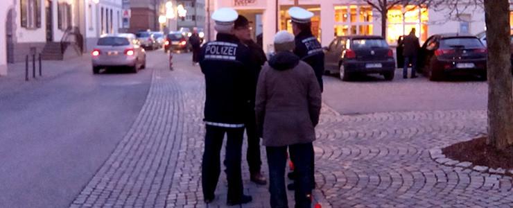 Polizei vor Volksbank Altshausen