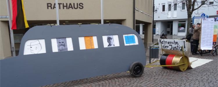 Brauer Bus vor Rathaus
