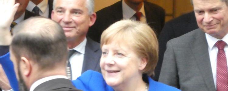 Merkel in Ravensburg - Winken