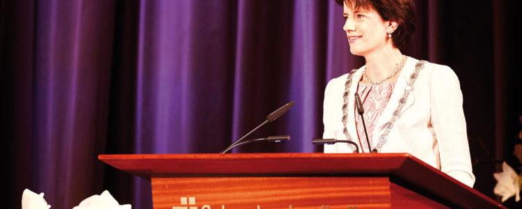 Oberbürgermeisterin der Stadt Fellbach Frau Gabriele Zull