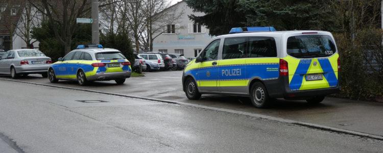 Polizeipräsenz auf dem ganzen Gelände um die Alte Kelter. Angst vor wem?